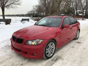 2008 BMW 328 xi 6 vitesses awd. impeccable