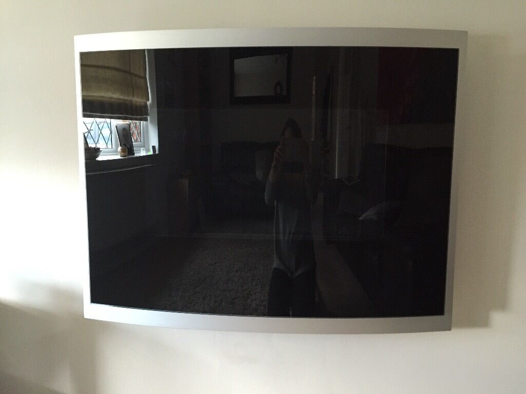 Modern glass wall hung gas fire immaculate condition