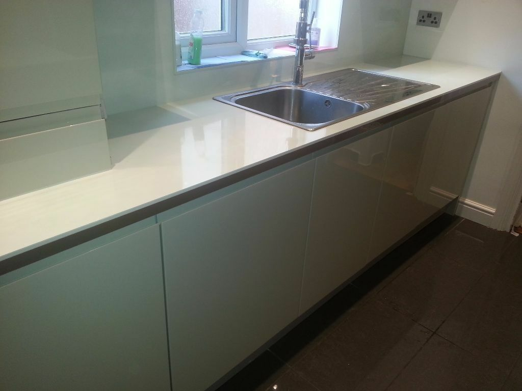Fully Fitted Kitchen For Sale Howdens Clerkenwell Gloss Flint Grey Price