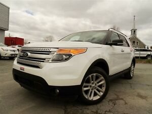 2014 Ford Explorer XLT + AWD + 7 PASSAGERS + NAVI + CAMERA!!!