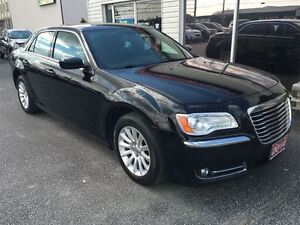 2014 Chrysler 300 Touring VOICE COMMAND HEATED MIRRORS ALLOY WHE Windsor Region Ontario image 3