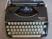 Working 1960's Olmpia Splendid 66 Typewriter and Case