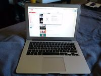 Macbook air 2015 1.6 ghz i5 4gb 256gb warranty low battery cycle