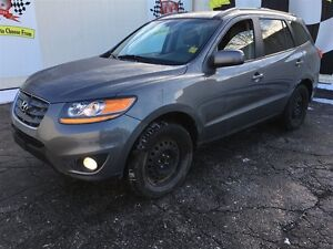 2010 Hyundai Santa Fe GL, Automatic, Sunroof, Heated Seats, AWD