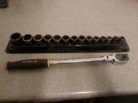 Snap on 3/8 ratchet and impact socket set with magnetic tray