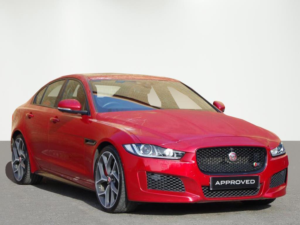 Jaguar XE S (red) 2016-01-13