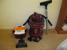 Vax vacuum cleaner and carpet shampooer