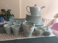 28 piece dinner set - plates, mugs, tea set
