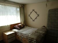 Double & single room in Windmill Hill/Victoria Park area inc. all bills free now