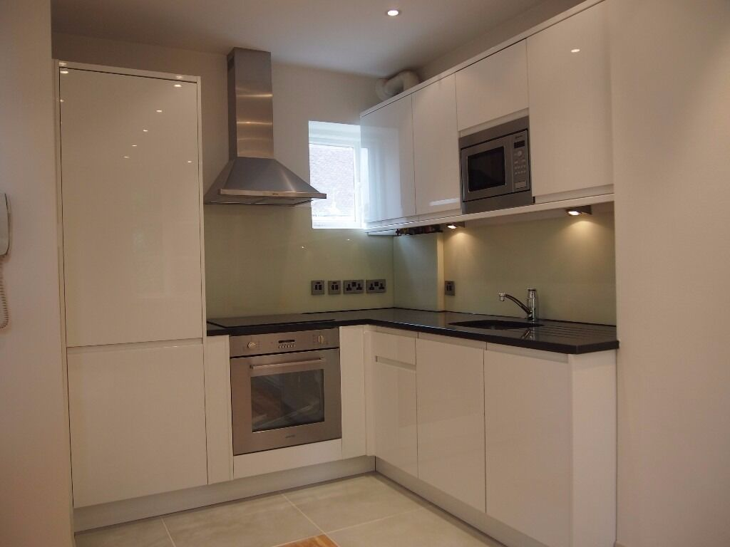 A 2 Bed Cottage in Willifield Way, Temple Fortune NW11 £1950pcm