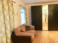King size room for rent in Highams Park