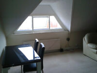 Spacious 2 bedroom flat by City rd