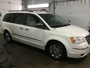2008 Chrysler Town & Country VEHICULE ADAPTÉ