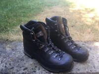 Men's scarpa walking/mountain boots