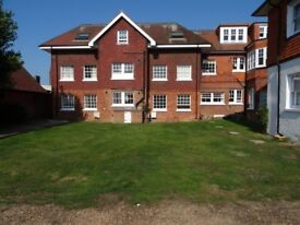 West Worthing 1 bedroom flat for Rent near Town, Stations and Beach £705 pcm