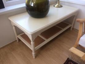 LAURA ASHLEY Wooden Coffee Side Table Ivory/White Beautiful Canework Vintage/Shabby Chic