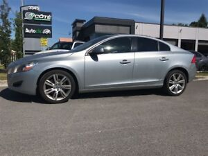 2011 Volvo S60 seulement 84500km cuir toit t6 awd