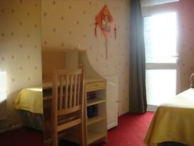 Very nice single room nearby Canada Water Station and Surrey Quays