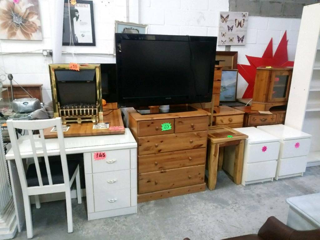 Chests of drawers and other furniture