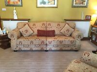 Lovely Fabric Sofa/Suite