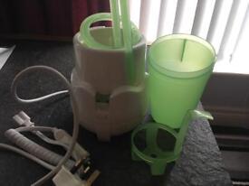 Steriliser and bottle heater