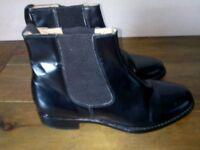 Samuel Windsor Traditional Boot