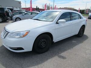 2012 Chrysler 200 LX*EXTRA CLEAN*FINANCING AVAILABLE