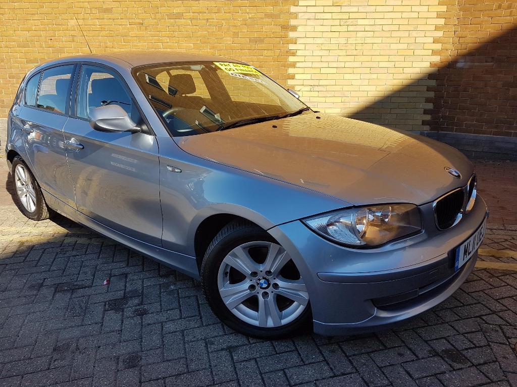 BMW 1 SERIES 118d SE (blue) 2011
