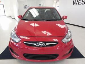 2012 Hyundai Accent L 1.6L Berline/Sedan 32$/semaine