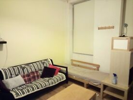 Furnished flat (2 rooms) to rent - Perfectly located: 2 minutes from the Warren Street Station