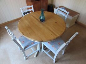 """STUNNING 46"""" DIAMETER PINE TABLE & 4 BLUE LADDER BACK CHAIRS SHABBY CHIC"""