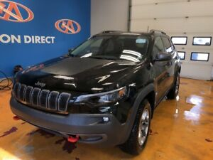 2019 Jeep Cherokee Trailhawk 4X4/ PANO ROOF/ HEATED LEATHER S...