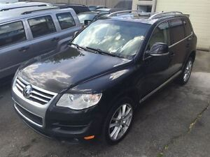 2010 Volkswagen Touareg Highline|TDI|Leather|Fully Loaded