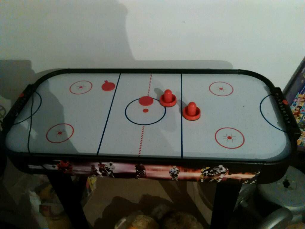 Electric ice hocky table