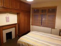 A large room to rent in Thornton Heath
