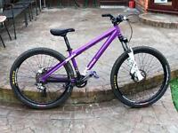 Dirt jump bike commencal