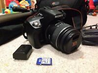 Sony Alpha A390 DSLR Camera bundle - Excellent condition, like new. Box + Lowewpro carry bag +tripod