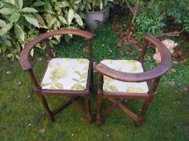 Four corner chairs