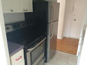 large completely renovated one bedroom superb location! Apr 01