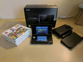 Nintendo 3DS (boxed + 3 games)