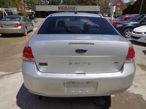 2010 Ford Focus SE CERTIFIED Kitchener / Waterloo Kitchener Area image 4