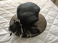 Formal hat black and natural colour