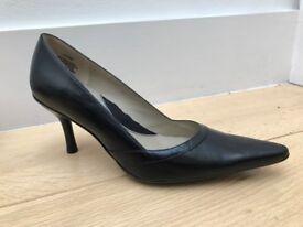 Kenneth Cole Reaction Women's Black Leather Heels