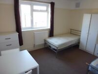 REALLY NICE DOUBLE OR TWIN ROOM TO RENT IN EAST ACTON - CENTRAL LINE - ZONE 2