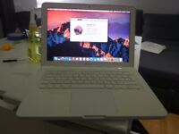"Apple MacBook 13"" Core 2 Duo 2.4Ghz 4GB 320GB White Unibody Mid-2010 MC516 A1342"