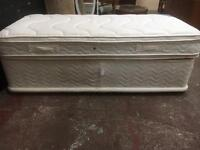 Beautiful clean Silentnight single bed and mattress