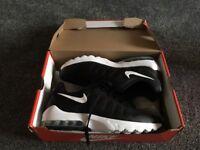 Nike invigor men's 9.5