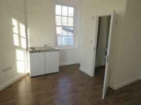 N15 - Large, bright Studio in vibrant Tottenham all bills included - PRIVATE LANDLORD