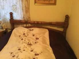 Country cottage rustic style High foot end Solid Wood King Size Bed Frame