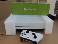 XBOX ONE S 500gb EXCELLENT + FAB EXTRAS
